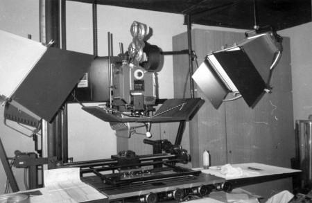 35m triková kamera Neilson-Hordell s prosvětlovacím zařízením optické dráhy a možností uchycení dvoupásové kazety pro využití putujících masek